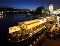 大型儿童海盗船  海边餐饮仿古灯光景观木船