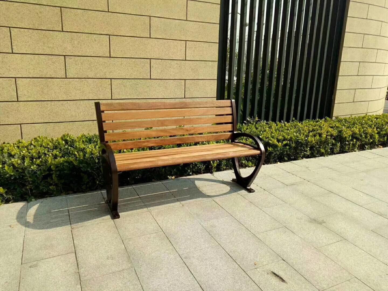 公园加厚木椅款式定制_实木椅价格咨询业务电话